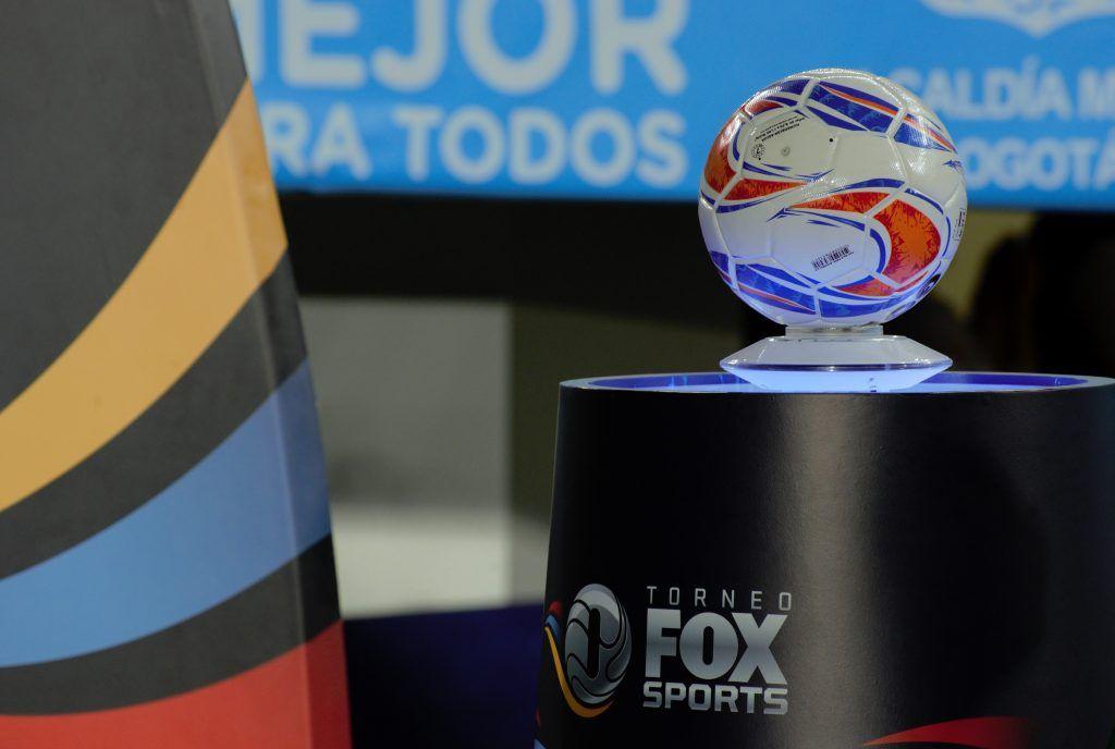 01 Balón Torneo Fox Sports