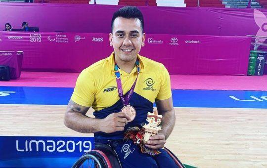 Jhoan Vargas baloncesto en silla de ruedas