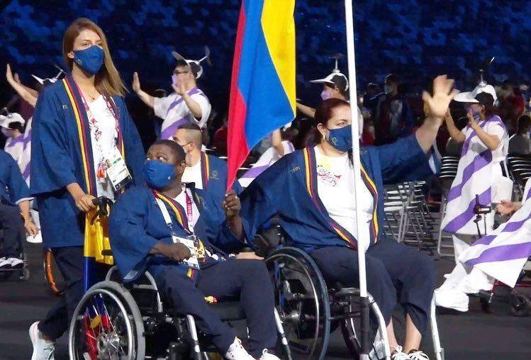 diplomas en el inicio de los Paralímpicos de Tokio