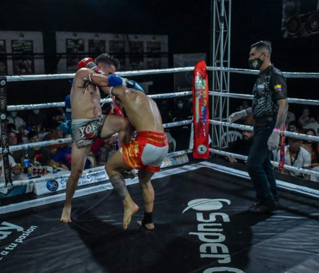 Muay Thai  golpe de rodilla